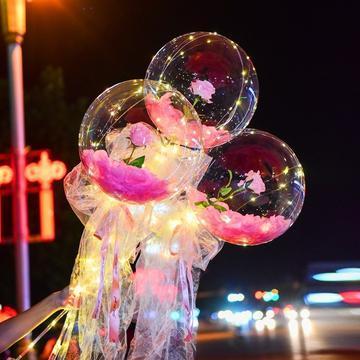 Buchet Romantic cu Trandafiri - ShopGuru