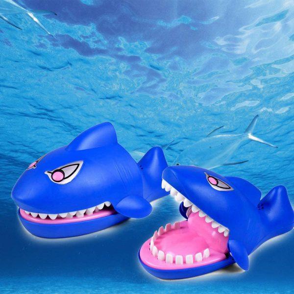 SharkAttack™ Muscatura Rechinului Jucarie - ShopGuru